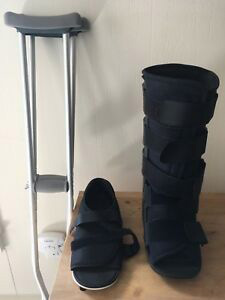 Crutches-with-a-Walking-Boot